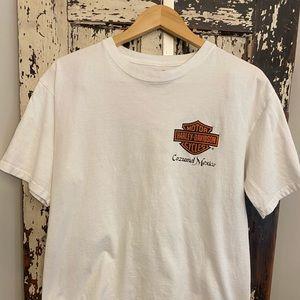 Harley-Davidson T-shirt.